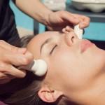 soins du visage douce et zen akwaterra sur le visage